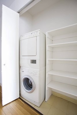 10 Hanover Square Laundry