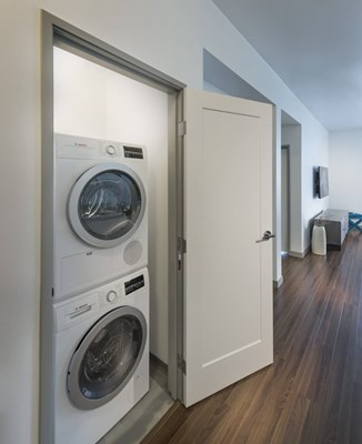3033 Wilshire Laundry Room