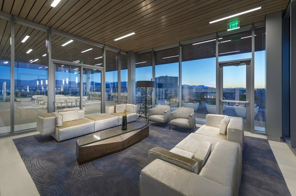 3033 Wilshire Penthouses And Apartments In Koreatown La