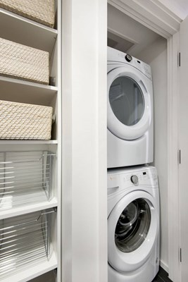 APlus_ApartmentAmenity_Washer-and-Dryer_345Harrison_Harrison-B1_2017_Laundry_BH