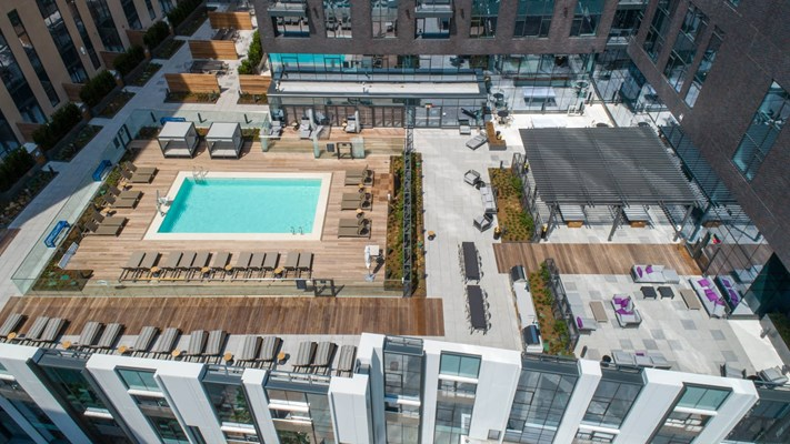 345 Harrison Apartments Rooftop Resort-style Pool