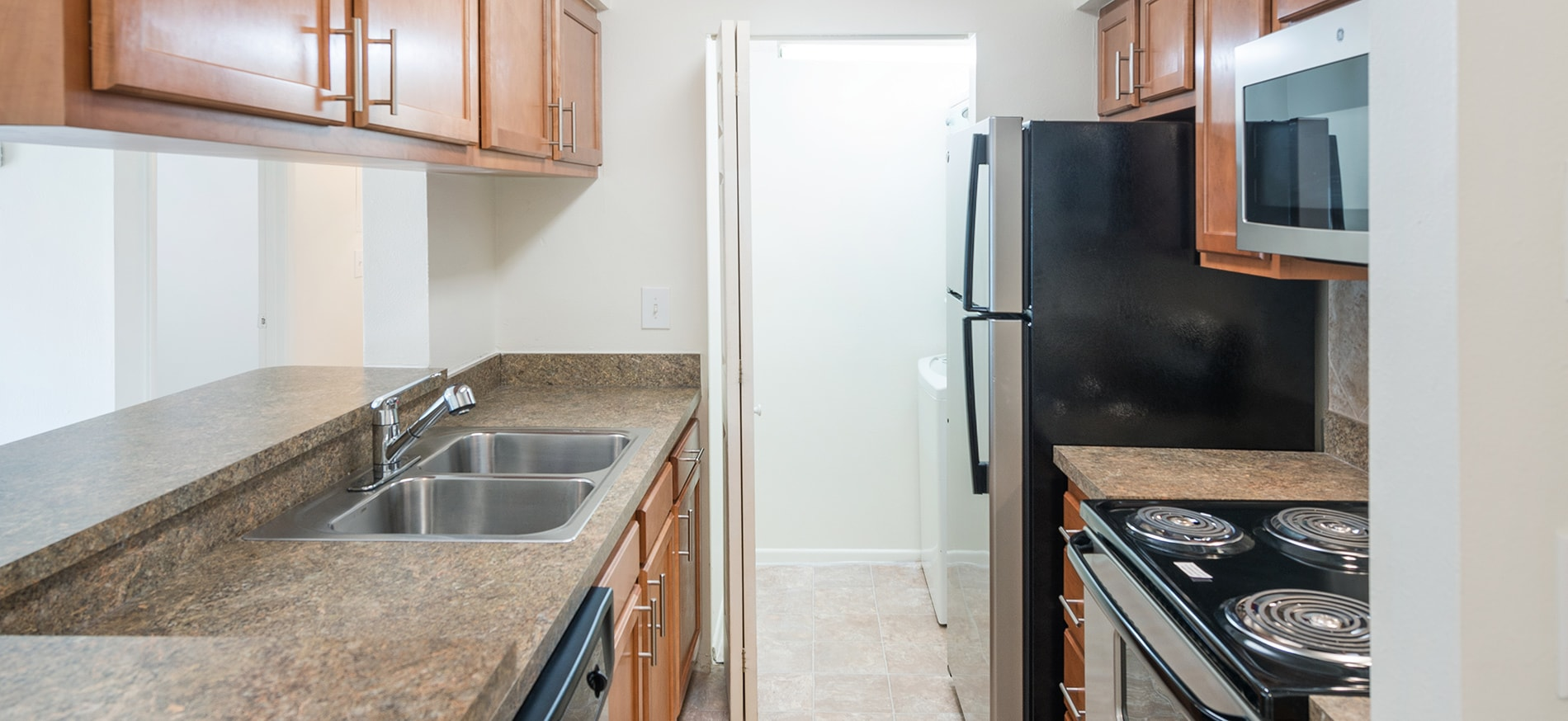 Apartments and Pricing for Lakewood Place | Tampa