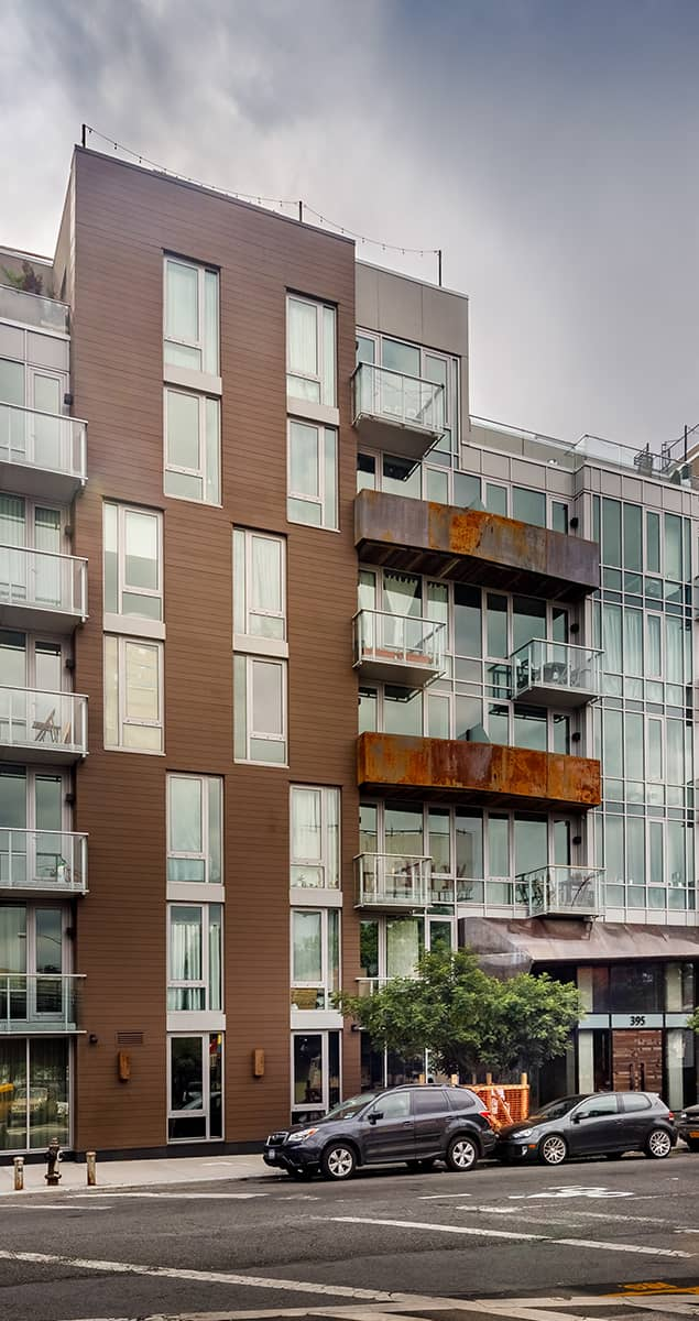 Leonard Pointe building image