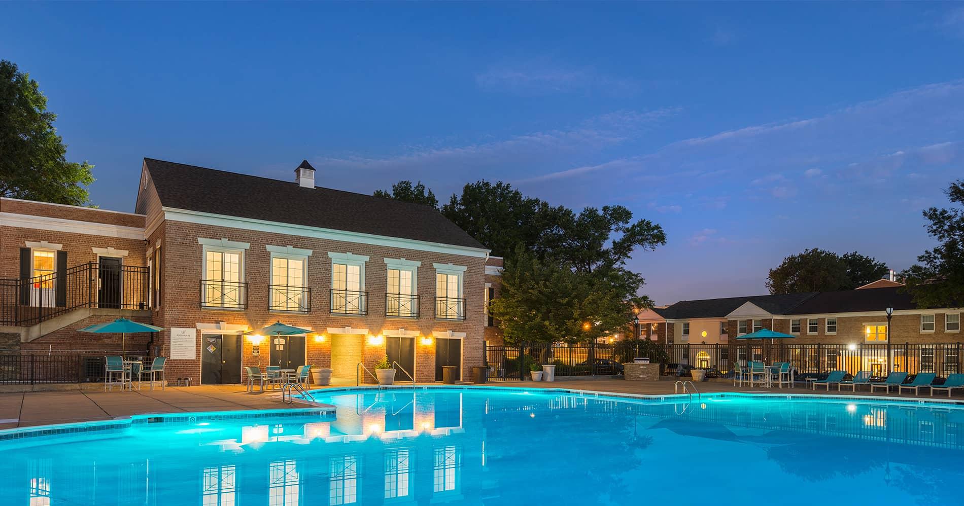 Newport village apartments in alexandria va for Newport swimming pool schedule