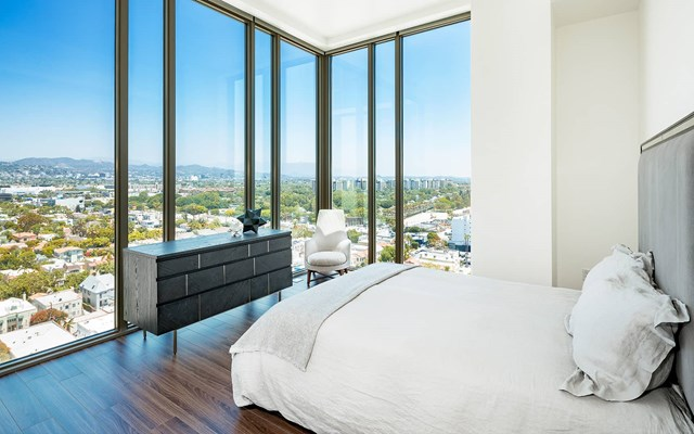 Vision on Wilshire Apartments Bedroom