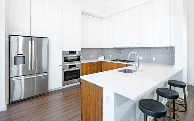 Vision on Wilshire Apartments Kitchen